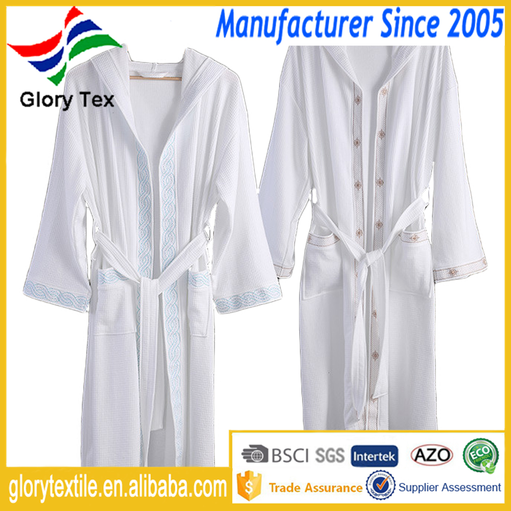 Waffle Polyester Cotton Hotel Bathrobe Hooded Embroidery Design