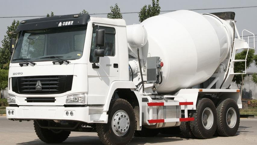 Sinotruk Howo 6*4 336hp 8 cubic mini concrete mixer truck for sale