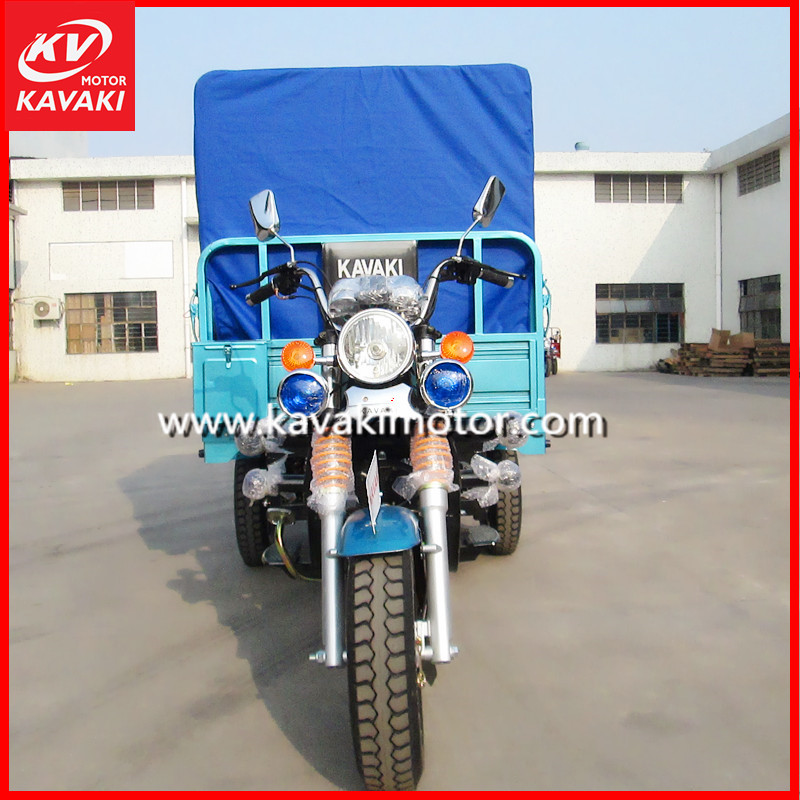 China Factory Export 4.50-12 Three Tires Cargo Transportation Motor Tricycle With Goods Tarpaulin