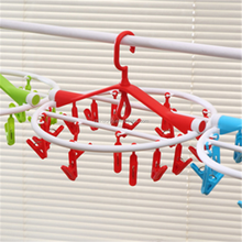 China Household Essential Laundry Recycled Products Plastic Folding Sock Hanger