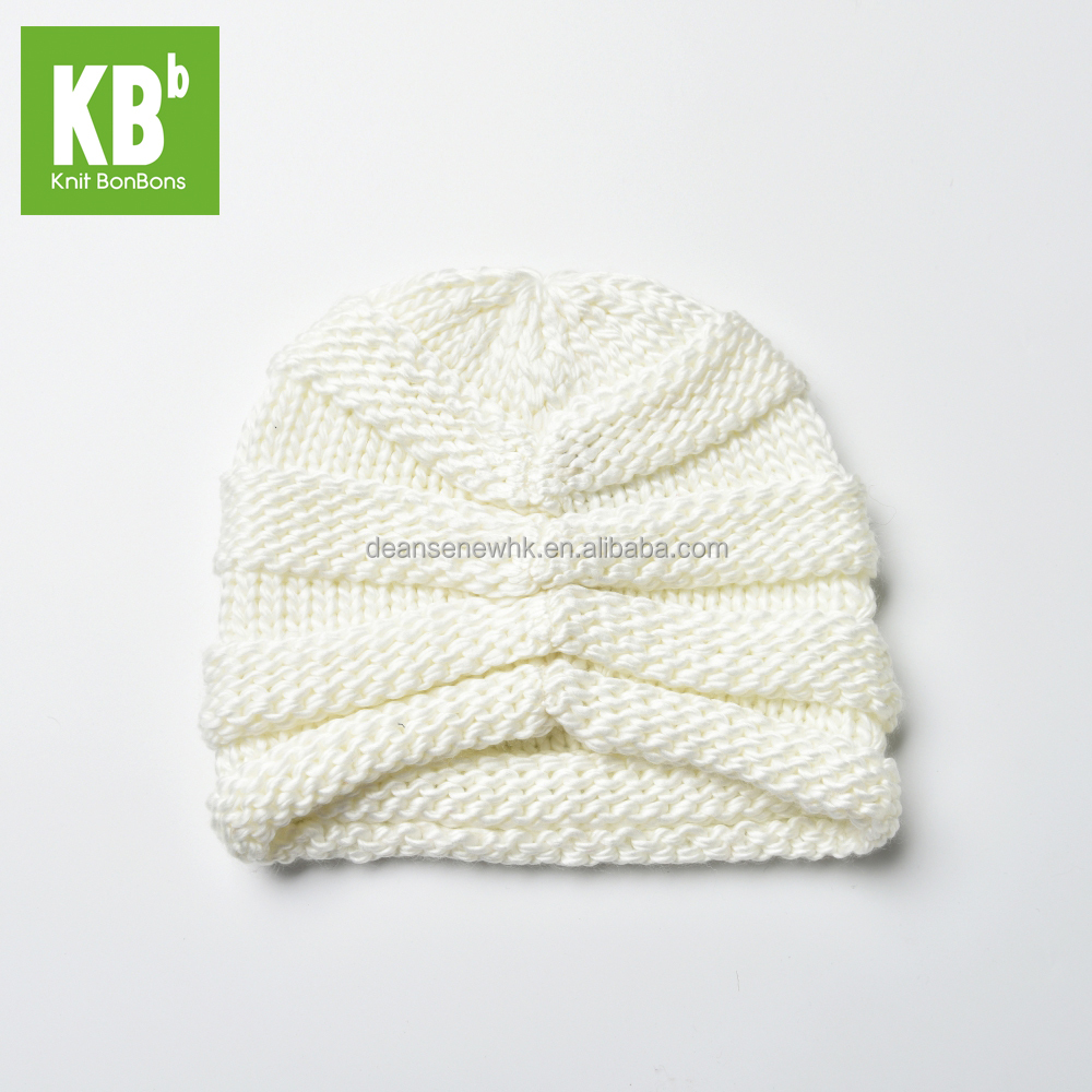 Fashion Custom Made 100% Acrylic Funky Winter Adult Knitted Hat - White