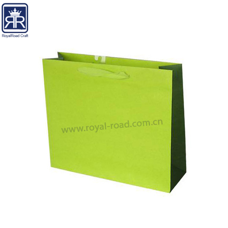 Yiwu Paper Bag's Manufacturer Provide cute design white card paper happy birthday gift bag with full printed GP031