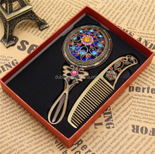 Retro Rhinestone Ladies Makeup Compact Pock Hand Held Mirror Hair Comb Set