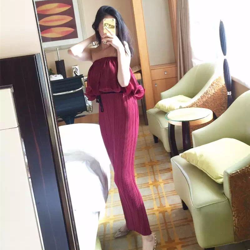 skull dress ladies Hot selling Korean clothing enterprises to store European wholesale agent pleated agaric bra collar pleated R