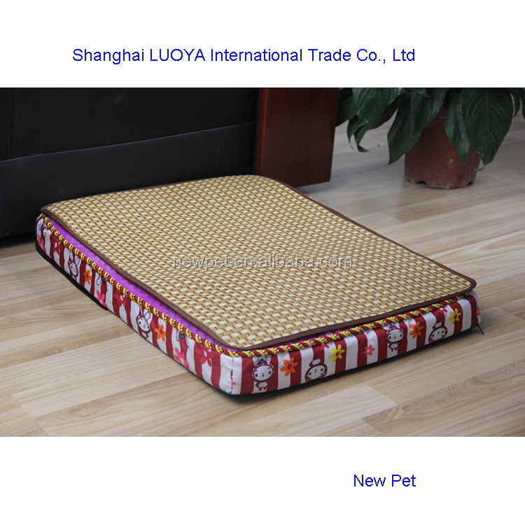 Good quality modern design square dog summer sleeping mat waterproof dog house