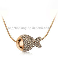 OUXI 2014 fashionable gold necklace models with Austrian Crystal