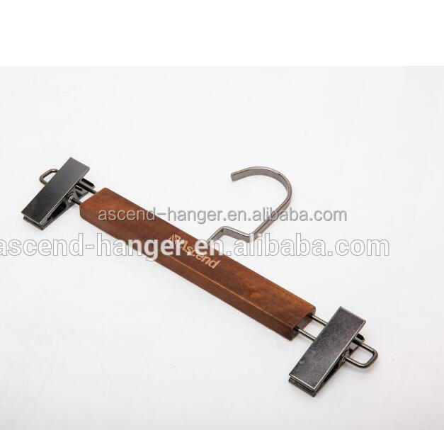 Finished high quality garment Metal clips Wooden pants hanger rack