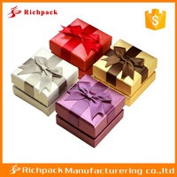 Wholesale colorful paper cardboard gift box with a bow