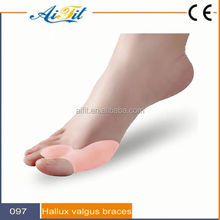 Gel Toe Spreader Foot Bunion Guard for Hallux Valgus reduce pressure and friction on toe area
