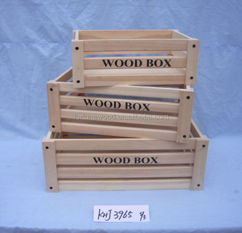Wooden box for packing fruit and vegetables