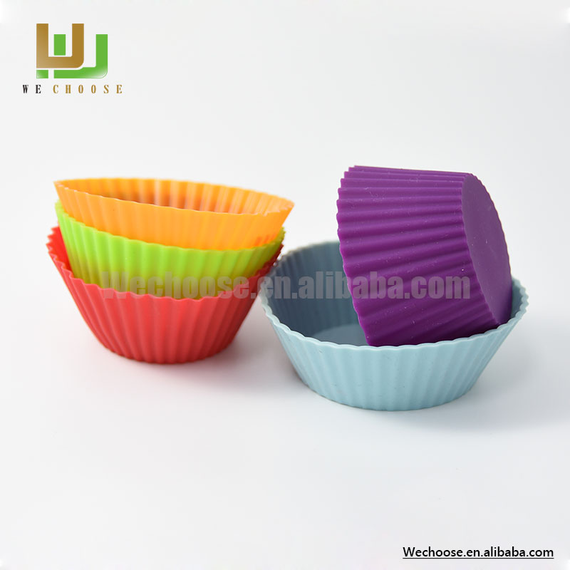 Wholesale durable and nice colour custom-made cake mold silicone