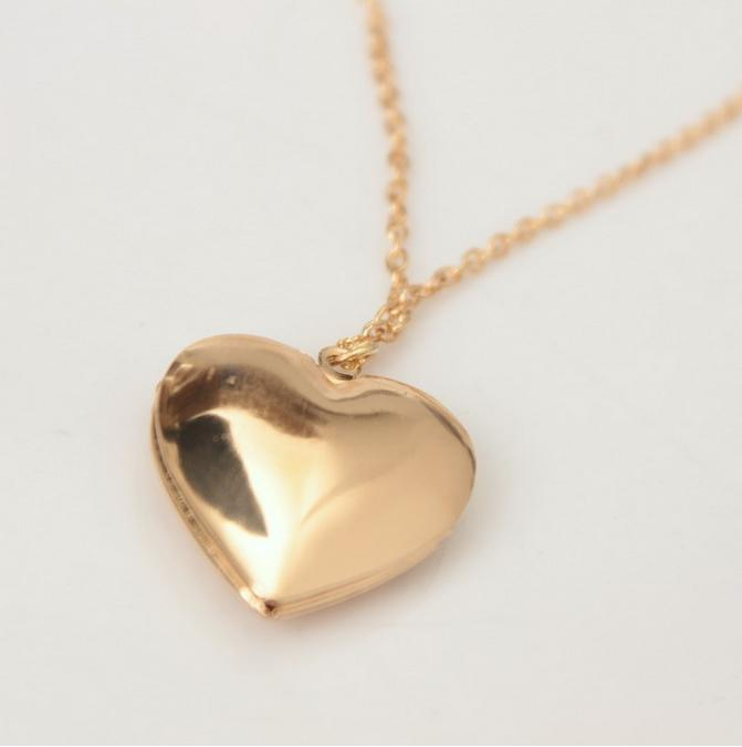 Charm locket necklace fashion lover Romantic heart Hollow Out Photo Frame friendship pendant necklaces for women