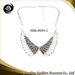 Latest angel wing design pop charm necklace fashion silver necklace hot sale women accessories China