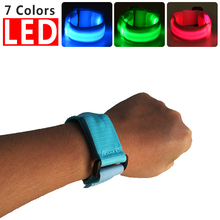 New design motion activated nylon led bracelet free sample motion control running light bracelet