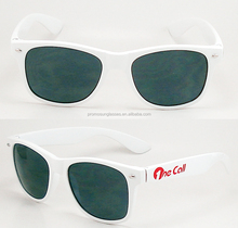 White plastic sunglasses for promo goods which can print customer logo, do good quality and produce in very short delivery