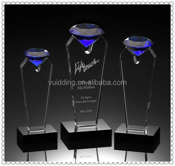 Blue Crystal Diamond Shape Awards Trophy For VIP Souvenir