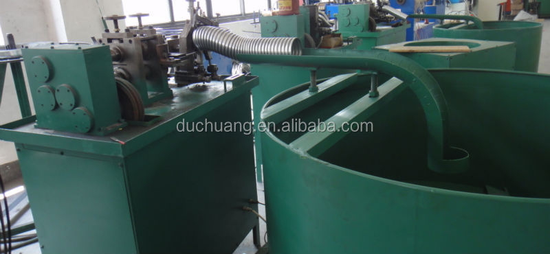 Flexible metal conduit machine