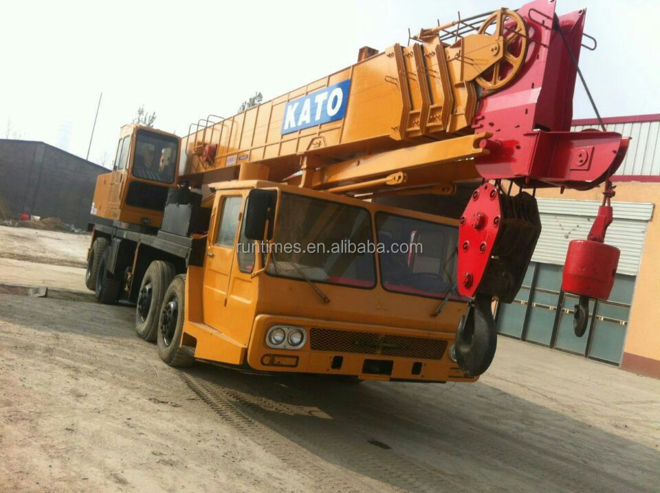 Original from Japan good condition Used mobile truck crane KATO NK400E tyre crane used truck mounted crane