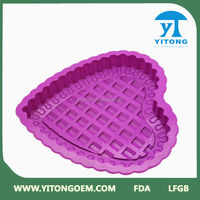 2014 New Products Customized Logo 100% Food Grade High Quality Purple Color Silicone Heart Shaped Pizza Pan Approved FDA&LFGB
