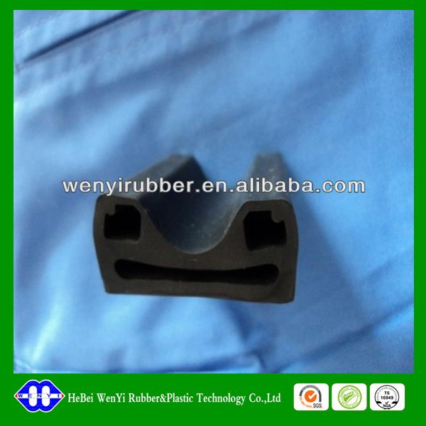 qualitied oil resistance nbr rubber strip from China
