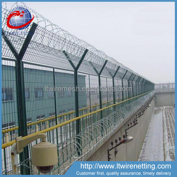 High Security airport fence with 450mm coil diameter concertina razor wire
