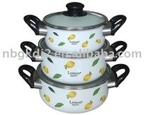 The Porcelain Enamel Cookware Set With Glass Cover