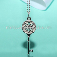 Fashion silver plated key chains necklace key pendant
