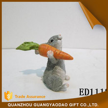 Souvenir happy bunny carrying a carrot wedding decoration table decoration