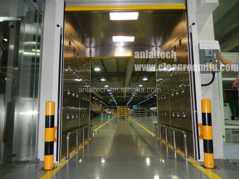Automatic Control Fast Rolling Shutter Door Cleanroom Cargo Air Shower / Air Shower For Goods