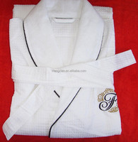 White bathrobe with stripe terry in shearing 400gsm, Weight:1300g/pc