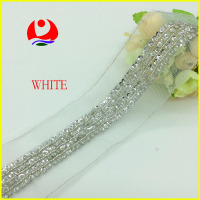 Hot Selling White Bridal Lace Trim Hand Sew on Sequins and Beads Design for Lady Garment Decoration with Stock