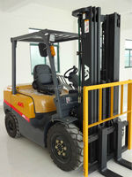 high quality new design 3 ton forklift,automatic car,powered hydraulic carrier for sale