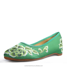 Women Flats Canvas Shoes Floral Embroidered Ladies Comfortable Cotton Platforms Zapato Mujer Unique Strap Woman