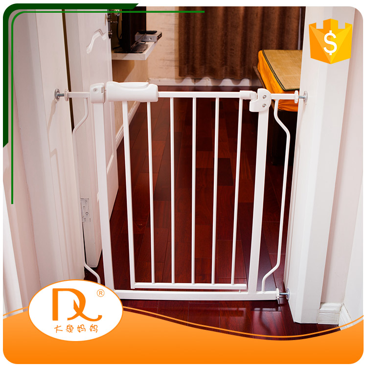 Hot selling retractable metal white pet fence gate designs for doors