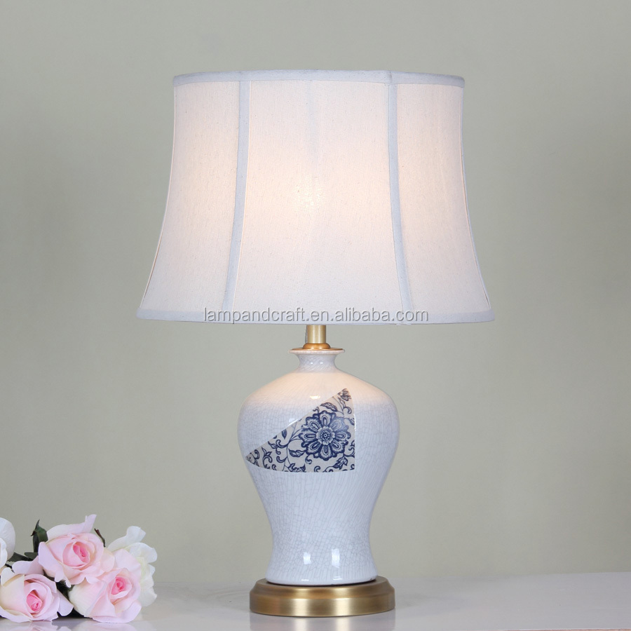 2016 Hot Sell Table Lamp With Crackle Cream Finish Ceramic