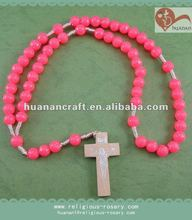 Religious pink acrylic cord rosary acrylic carved 6mm cross shape plastic bead bracelets