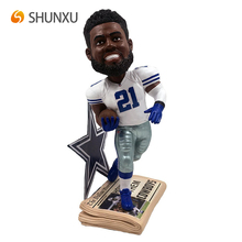 Hand Painted Resin Ezekiel Elliott Dallas Cowboys Special Edition Bobblehead Custom Sport Star Figurine Bobble Head