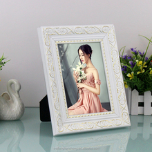 Luxury European 4x6 7x9 11x14 widen wooden photo frames stand on table