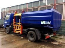 CLW 4000 LITERS Hanging barrel type garbage trucks for sale