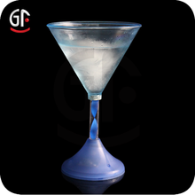 Hot New Product Wedding Favours Wholesale Flashing Martini Glass