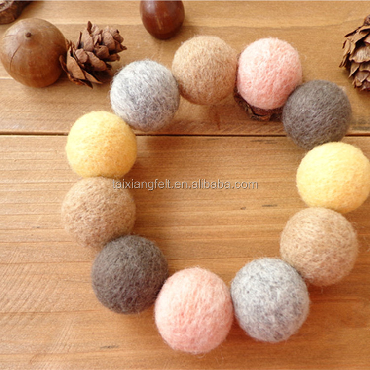2017 New Fashion Handmade small colorful Felt balls for garland