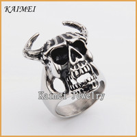 Alibaba Wholesale Fashionable Jewelry Vampire Skull Ring With Ox Horn Ring For Men