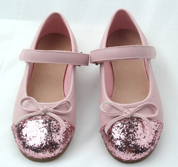 China Alibaba reasonable price link wholesale girls shoes