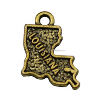 Free shipping antique bronze plated vintage metal louisiana state map charm