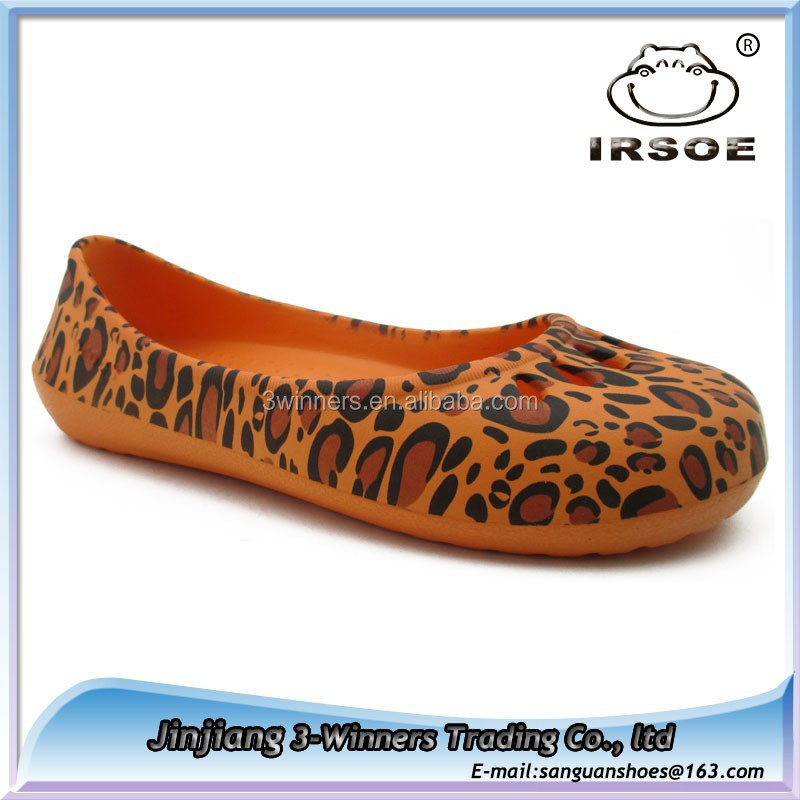 Women's lightweight and comfortable colorful nursing clogs