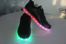 Manufacturer wholesale good price light led shoes made in china