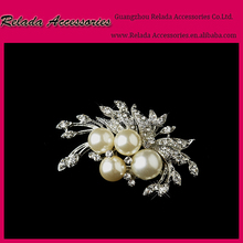 Rhodium Silver Plated Cream Imitation Pearl Cluster and Rhinestone Crystal Diamante Bridal Brooch Party Prom Pin RLD2457RB