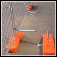 Tubular and steel wire retractable temporary fence