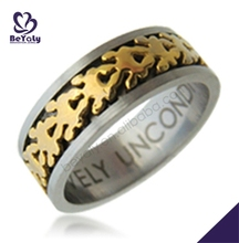 Laser cut shiny engraved chic fashion movable gold ring patterns