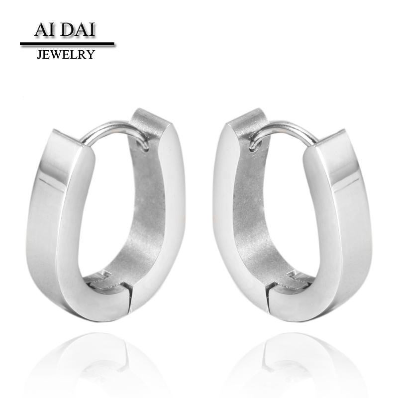 Simple design <strong>U</strong>-shaped stainless steel silver color Huggie earrings Wholesale